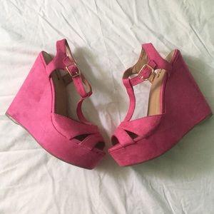 Pink velvet wedges💝